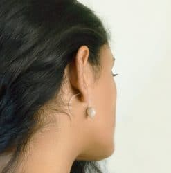 Aphrodite pearls necklace and spiral earring
