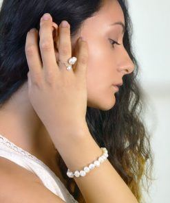 Aphrodite unequal pearls ring