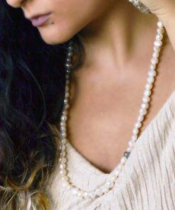 Aphrodite pearls necklace