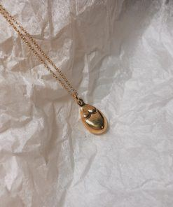 Necklace inspired by the archaic Venus. Silver necklace with chain with three sizes. Sterling silver or 18k gold plated sterling silver.