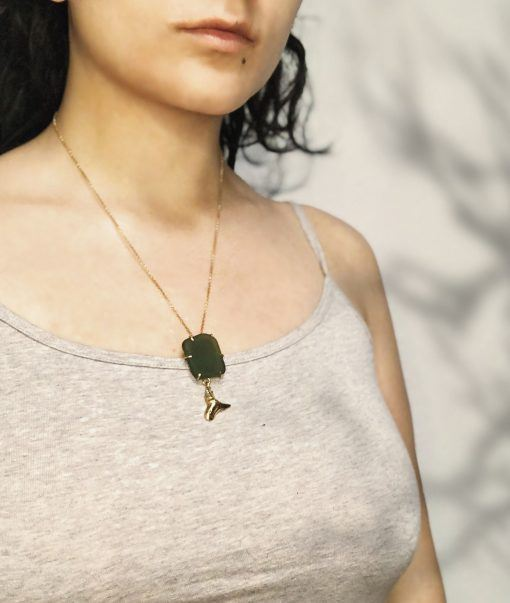 Gold-plated sterling silver necklace set with sea glass